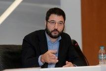 Ν. Ηλιόπουλος: «Ο κ. Οικονόμου και ο κ. Χατζηδάκης καλό θα ήταν να σταματήσουν να πουλάνε τρέλα σχετικά με το θέμα της e-food»