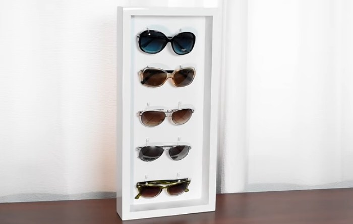 Easy DIY Woodworking Projects -DIY Sunglass Holder