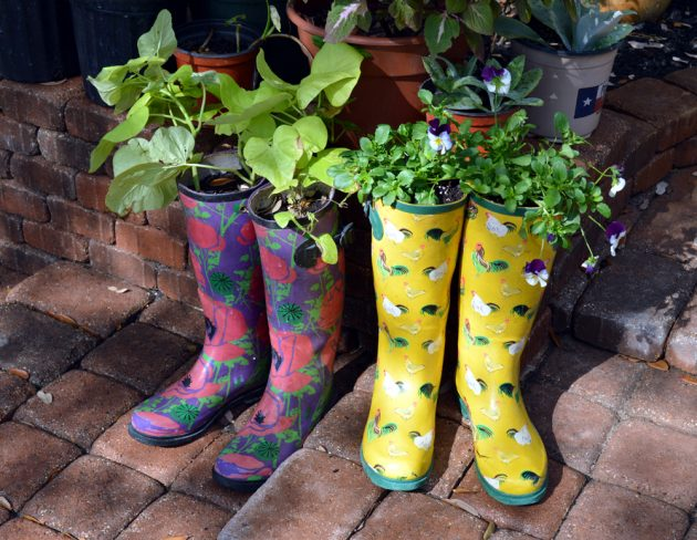 rain-boots-flower-planters
