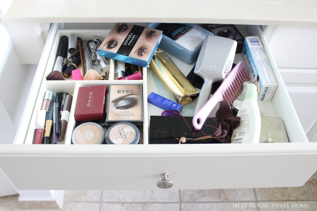 Week 4 of 52: Makeup Drawer Organization