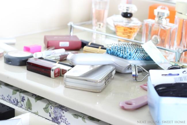 Week 4 of 52: Makeup Drawer Organization