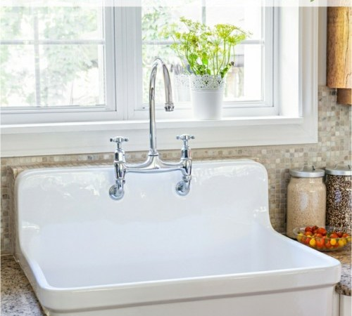 Guest blogger Patricia Cornwell shares her tips for cleaning your kitchen's counter.