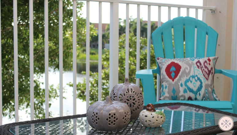 Looking for ideas on how to decorate a small patio on a budget? Make your patio look chic and classy without spending a fortune.