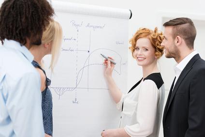 Ein Teilzeitstudium in BWL kann zum Karrierebeschleuniger werden.