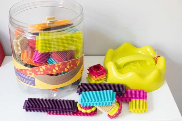 prezent dla trzylatka - klocki jeżyki b.toys