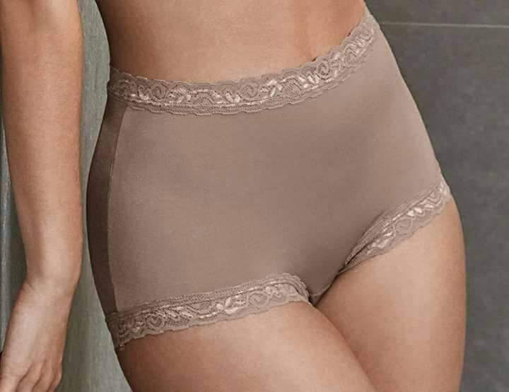 Necessaire da Diva photostudio_1487811564574 Novidade DeMillus: Hot Pants. Coisas de Bárbara.  Hot pants DeMillus Como usar as hot pants Calcinha hot pants