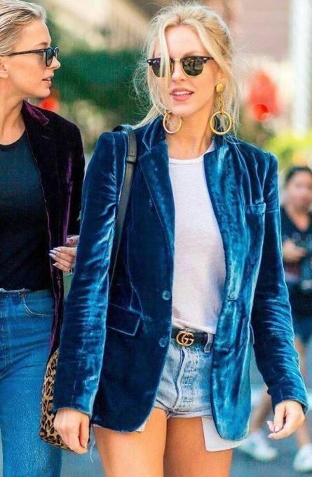 Necessaire da Diva 04576dbf6f36f4c88983861c55d121ab Veludo na moda 2017: os melhores looks. Moda  Veludo na moda Pinterest Moda 2017 moda Melhores looks com veludo Looks dicas de moda dicas