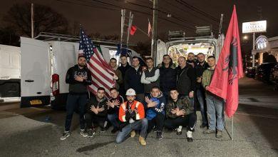 Photo of Dibrani sponsorizon dhe vendos 500 flamunj në New York