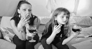 modern-mom-parents-kids-friends-facebook-role-models