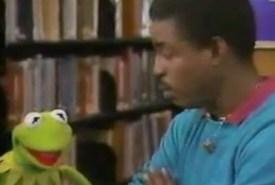 Kermit and LeVar Burton on Reading Rainbow