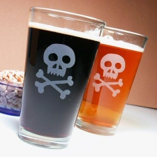 Pirate Skull and Crossbones Etched Beer Glasses