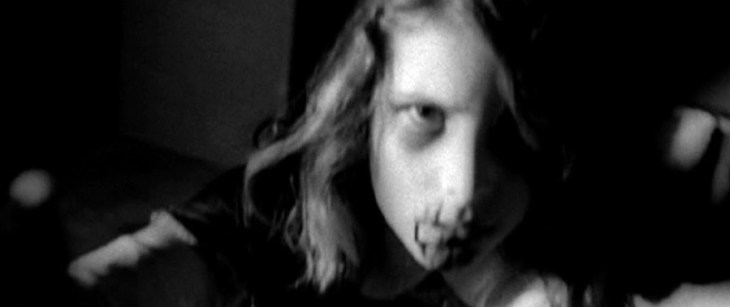 Kyra Schon in Night of the Living Dead