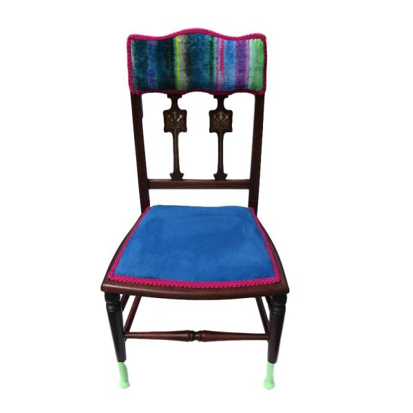 Upholstered Pin-stuffed chair