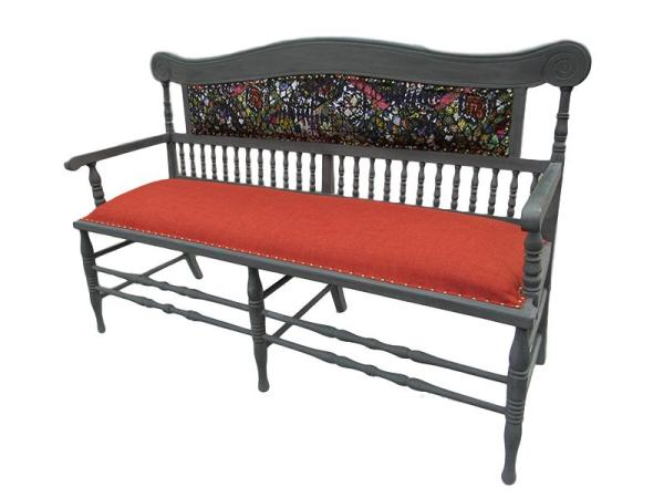 The full glory of the Reupholstered Victorian Settle.