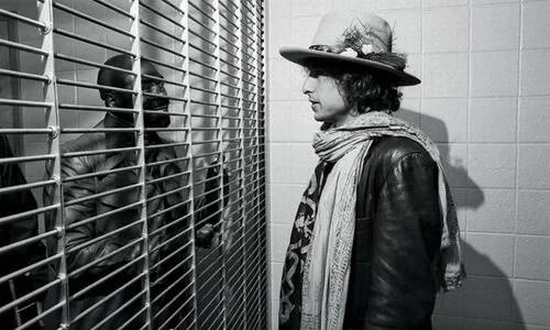Bob Dylan visite l'ouragan Carter