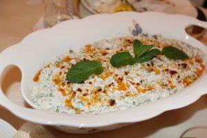 yogurtlu-bulgur-salatasi