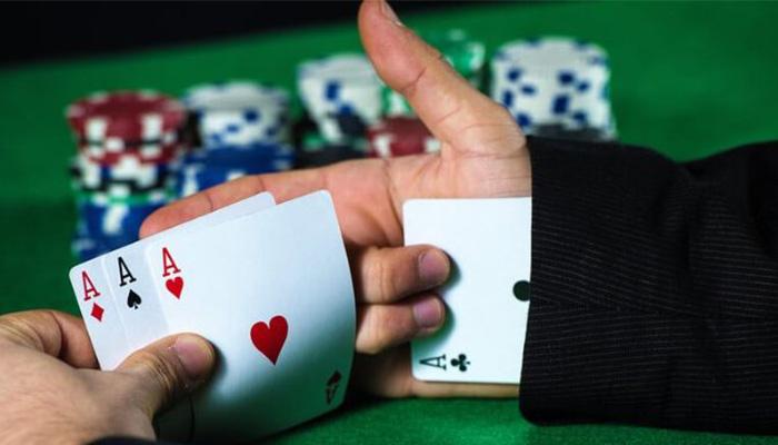 Ketakutan Para Penjudi Bermain Poker Online