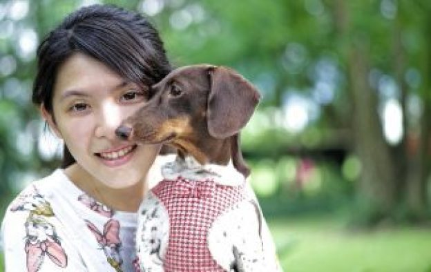 girl-and-dog-962191_960_720