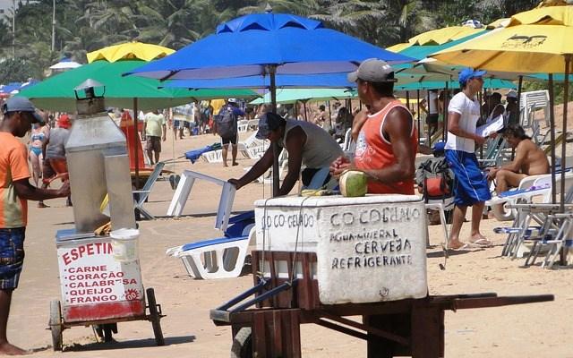 EL TRABAJO INFORMAL COMO MANERA DE ENFRENTAR LA CRISIS ECONÓMICA EN LATINOAMÉRICA Y EL CARIBE: BM