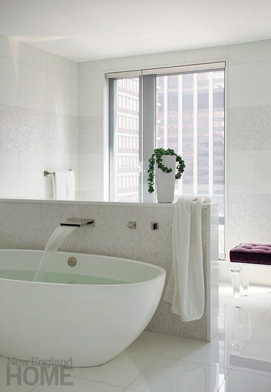 Leslie Fine bathroom