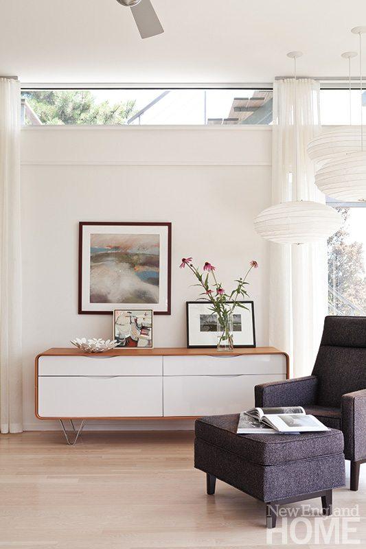 Maryann Thompson family room
