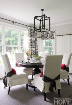 An Organized Nest and Tricia Roberts breakfast room