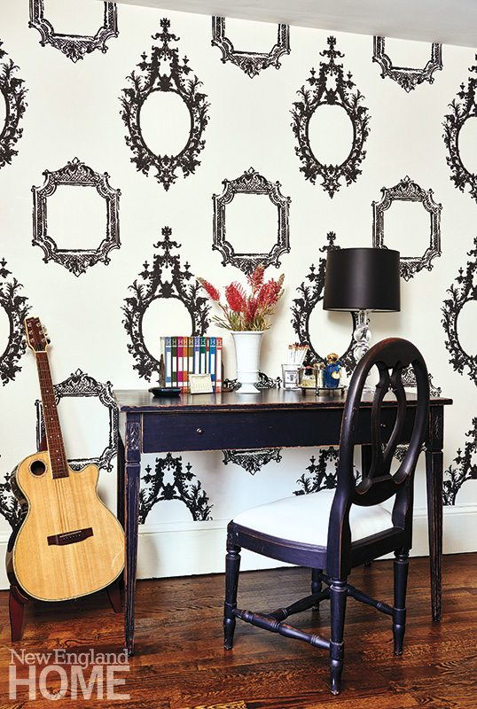 Henhurst Interiors master wallpaper