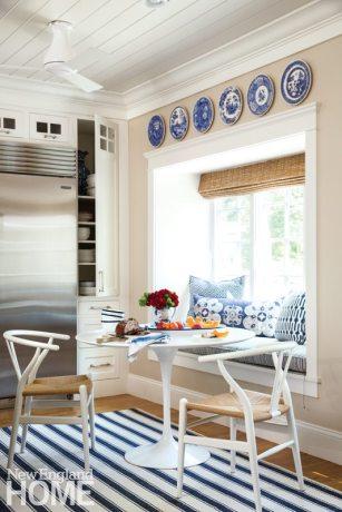 Violandi-Falmouth Dining Nook