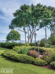 Jamestown Shingle Perennial Garden