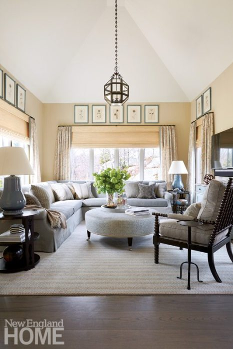 Updated traditional Comfortable Family Room