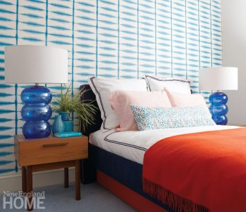 Family Friendly Condo Boy's room in Blue and Orange
