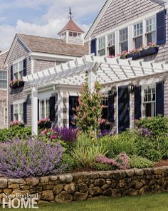 Cape Cod Cottage Pergola