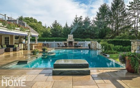 Outdoor Entertaining Space Pool