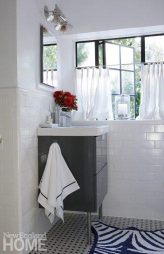 Darien Stone Cottage Bathroom