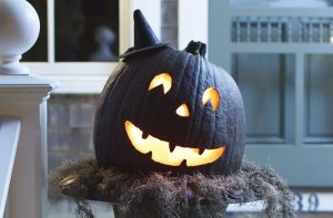 3 Easy and Sophisticated Halloween Decor Ideas
