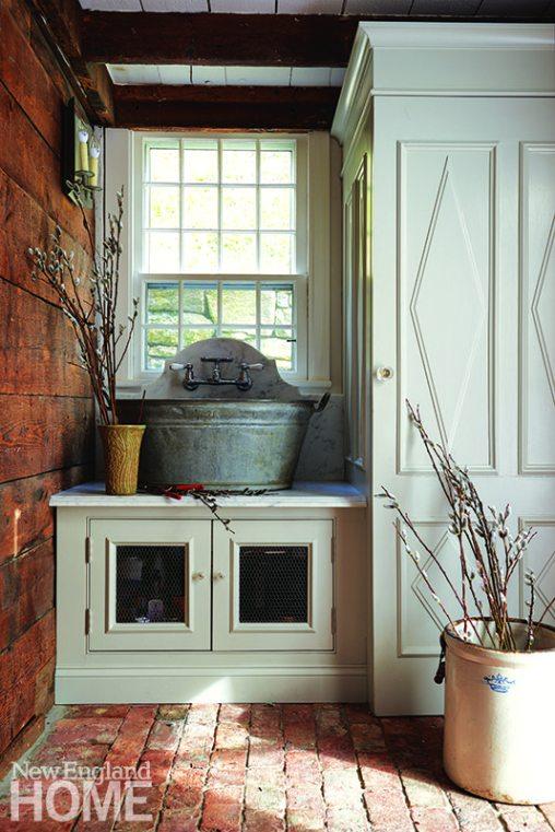 Mudroom with zinc bath sink