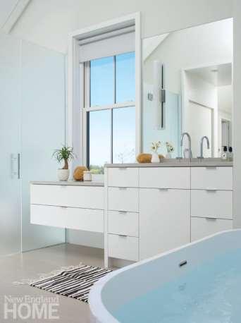 Contemporary Nantucket white bathroom