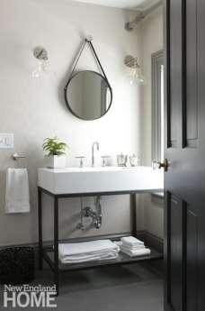 A neutral bathroom at Concord's Hawthorne Inn