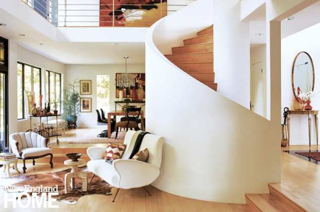 spiral staircase, sitting area