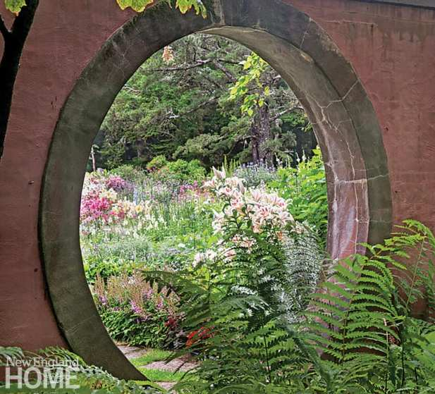Beatrix Farrand moon gate