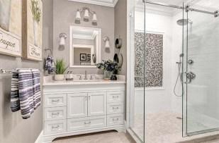 700x460 Bathroom1