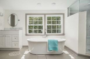 700x460 Bathroom3
