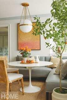Kitchen banquette with Saarinen table