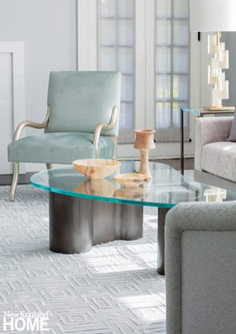 Searing area with glass topped coffee table