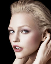 Giorgio Armani Pink Light Beauty Look.
