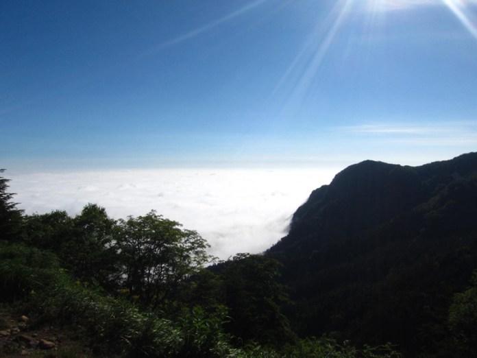 夏沢峠東側の雲海