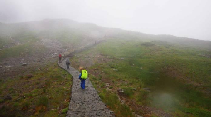 雷鳥沢キャンプ場から雷鳥荘へ登る