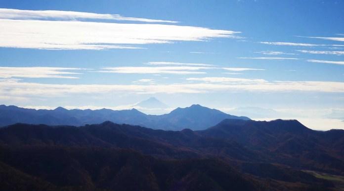 飯盛山山頂から見た富士山