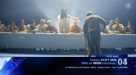 Während in Europa fleissig bezahlt werden darf. Der Jury (hier im Hintergrund) gefällt das.