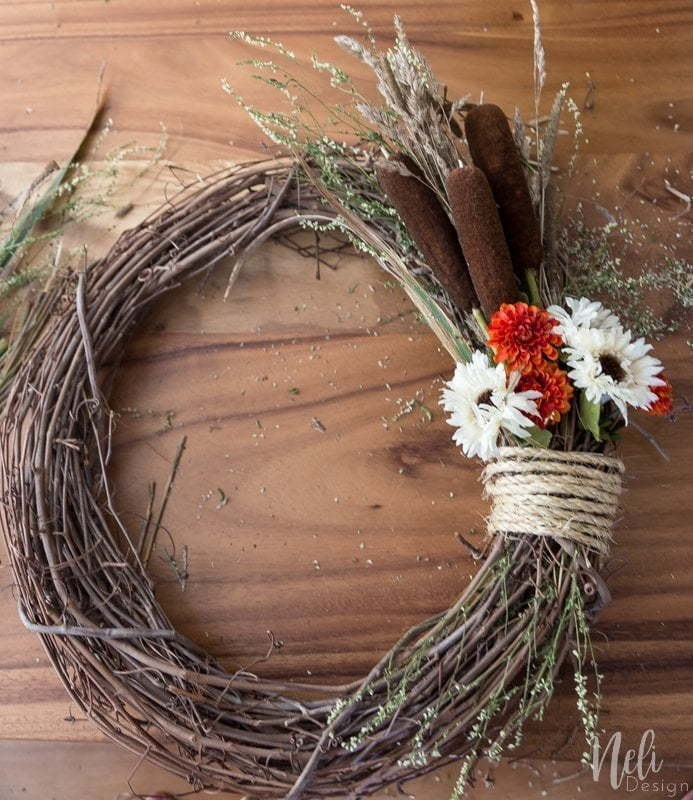Fall Wreath | Autumn | DIY | Flowers | Tutorials | Home decor | Couronne d'automne | Pine cone | Cocotte | Quenouilles